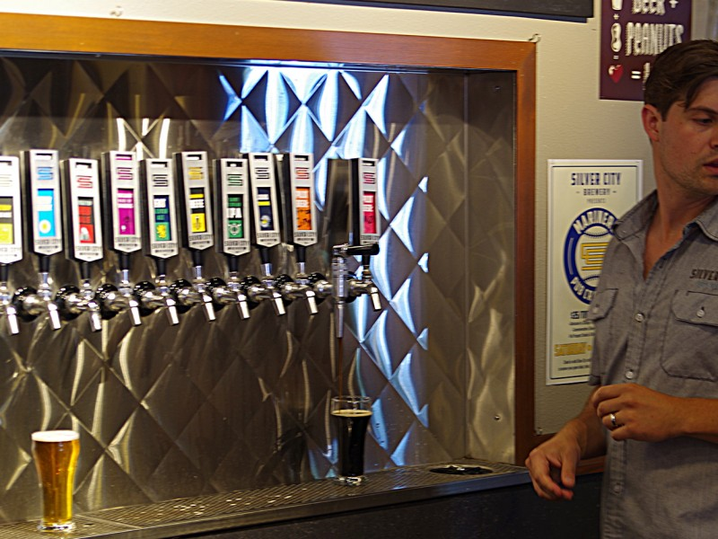 Silver-City-Brewery-taproom