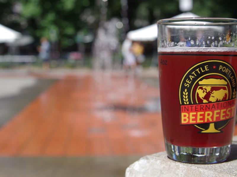 portland-international-beerfest-fountain