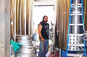 Three-Magnets-Brewing-filling-off-kegs