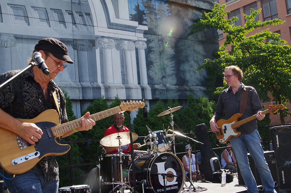 Brew-Five-Three-Tacoma-2016-Rod-Cook-and-Toast