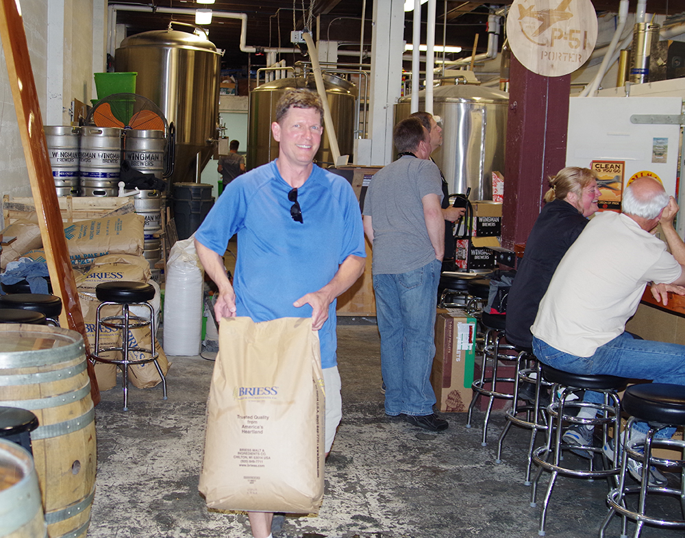 peaks-and-pints-proctor-perfect-porter-wingman-brewers-morgan-alexander